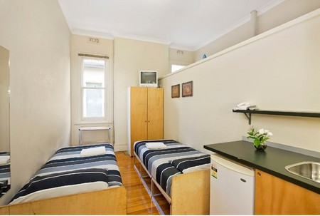 Cambridge Lodge - Accommodation Sydney