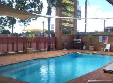Town And Country Motor Inn Cobar - Accommodation Sydney