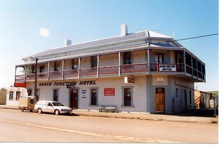 Grand Junction Hotel - Accommodation Sydney