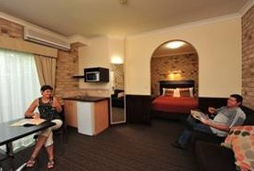 Highlander Motor Inn And Apartments - Accommodation Sydney