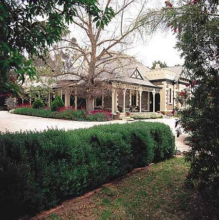The Lodge Country House - Accommodation Sydney