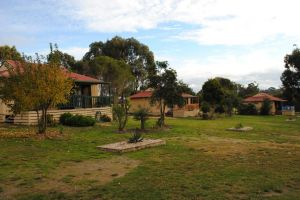 Lakes Entrance Country Cottages - Accommodation Sydney