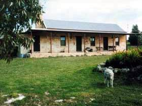 Mt Dutton Bay Woolshed Heritage Cottage - Accommodation Sydney