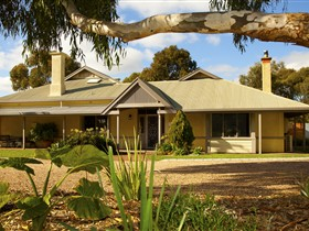 Whistler Farm - Accommodation Sydney