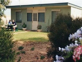 Oaklands Fishing Cottage - Accommodation Sydney