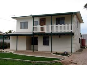 Louth Bay Holiday Apartment - Accommodation Sydney