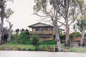 Mundic Grove Cottage - Accommodation Sydney
