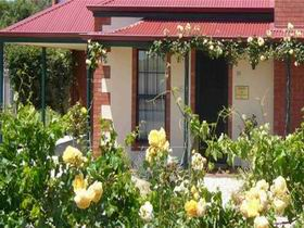 Wine And Roses Bed And Breakfast - Accommodation Sydney
