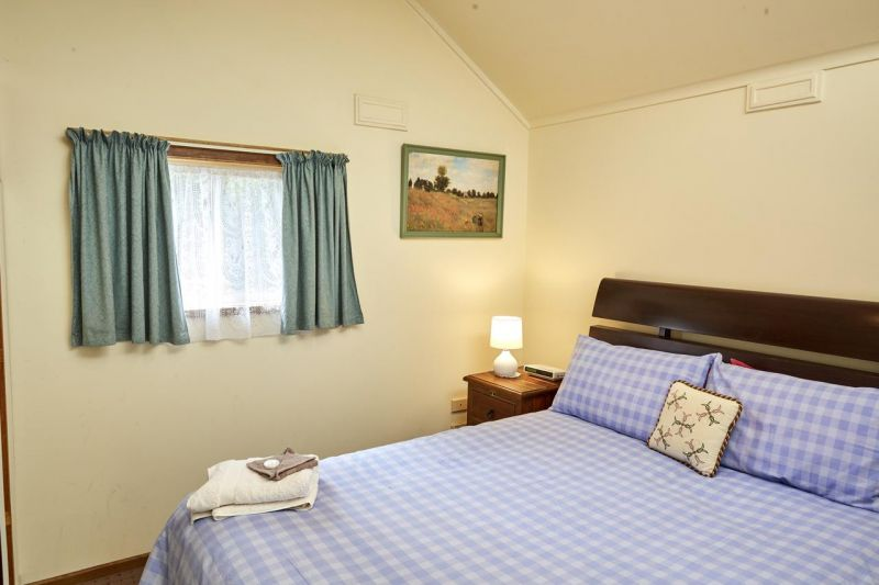 Bristol House Accommodation - Accommodation Sydney