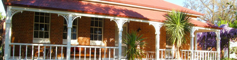 Araluen Old Courthouse Bed and Breakfast - Accommodation Sydney