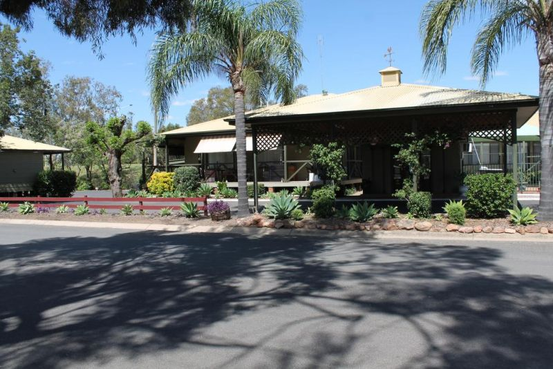 Lake Forbes Motel - Accommodation Sydney