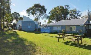 Huskisson Holiday Cabins - Accommodation Sydney