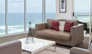Mint Broadbeach - Accommodation Sydney