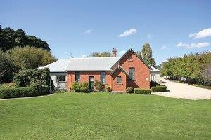 Woodend Old School House Bed and Breakfast - Accommodation Sydney