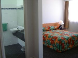 Baileys Hotel Motel - Accommodation Sydney