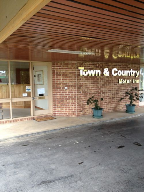 Town amp Country Motor Inn Forbes - Accommodation Sydney