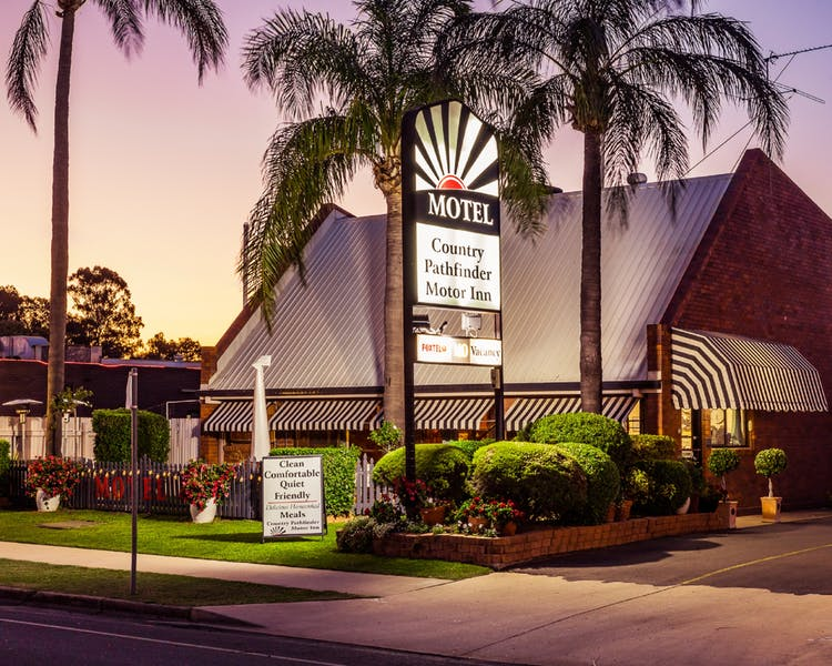 Country Pathfinder Motor Inn - Accommodation Sydney