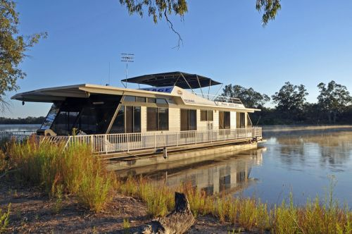 Houseboat Heaven - Accommodation Sydney