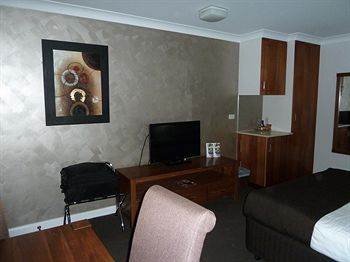 McNevinaposs Tamworth Motel - Accommodation Sydney