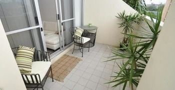 Camperdown 517 MIS Furnished Apartment - Accommodation Sydney