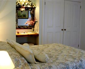 Addlestone House Bed & Breakfast