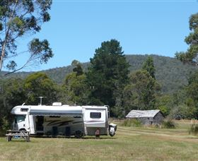 Taranna Cottages & Self-contained Campers