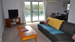 House on the Hill Port Campbell - Accommodation Sydney