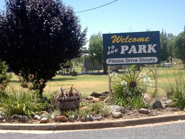 Country Club Caravan Park - Accommodation Sydney