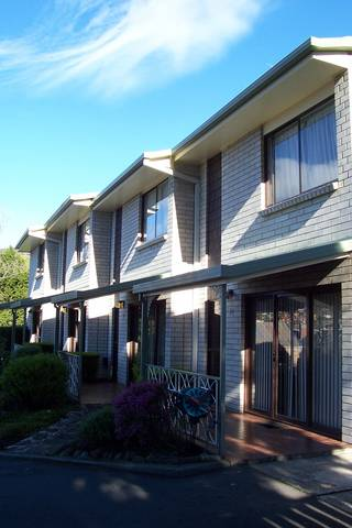 Davey Place Holiday Town Houses - Accommodation Sydney
