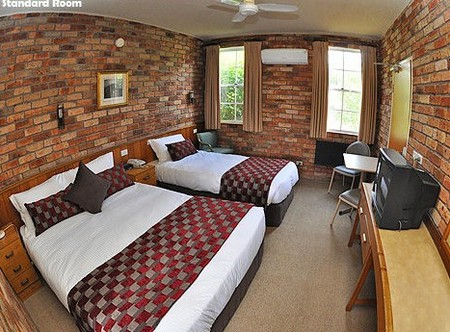 Log Cabin - Accommodation Sydney