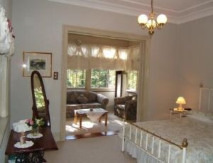 Whispering Pines - Accommodation Sydney