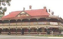 The New Coolamon Hotel - Coolamon - Accommodation Sydney