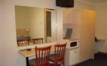 Tudor Inn Motel - Hamilton - Accommodation Sydney