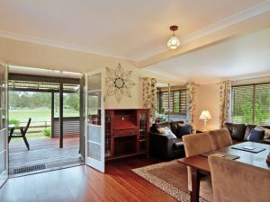 Woollamia Farm Cottage Accommodation - Accommodation Sydney