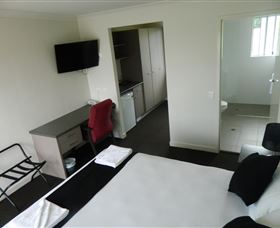 Dooleys Tavern and Motel Springsure - Accommodation Sydney