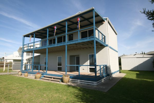 LJ Hooker Goolwa Holiday Rentals - 25 Barrage Road Goolwa South - Accommodation Sydney