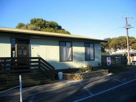 Lake Albert Caravan Park - Accommodation Sydney