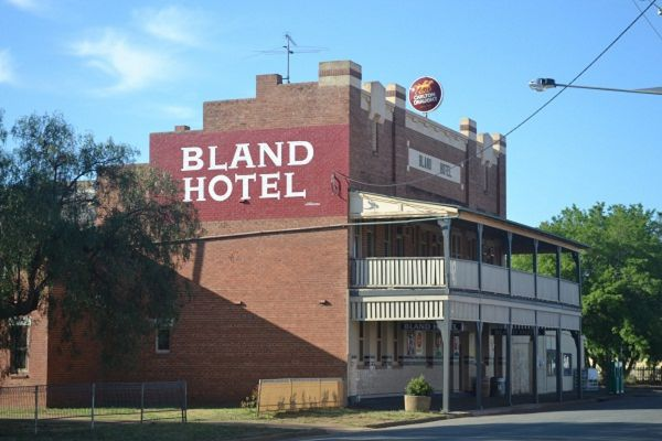 Bland Hotel - Accommodation Sydney