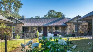 Stoneleigh Cottage Bed and Breakfast - Accommodation Sydney
