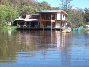 Lakeside Lodge - Accommodation Sydney
