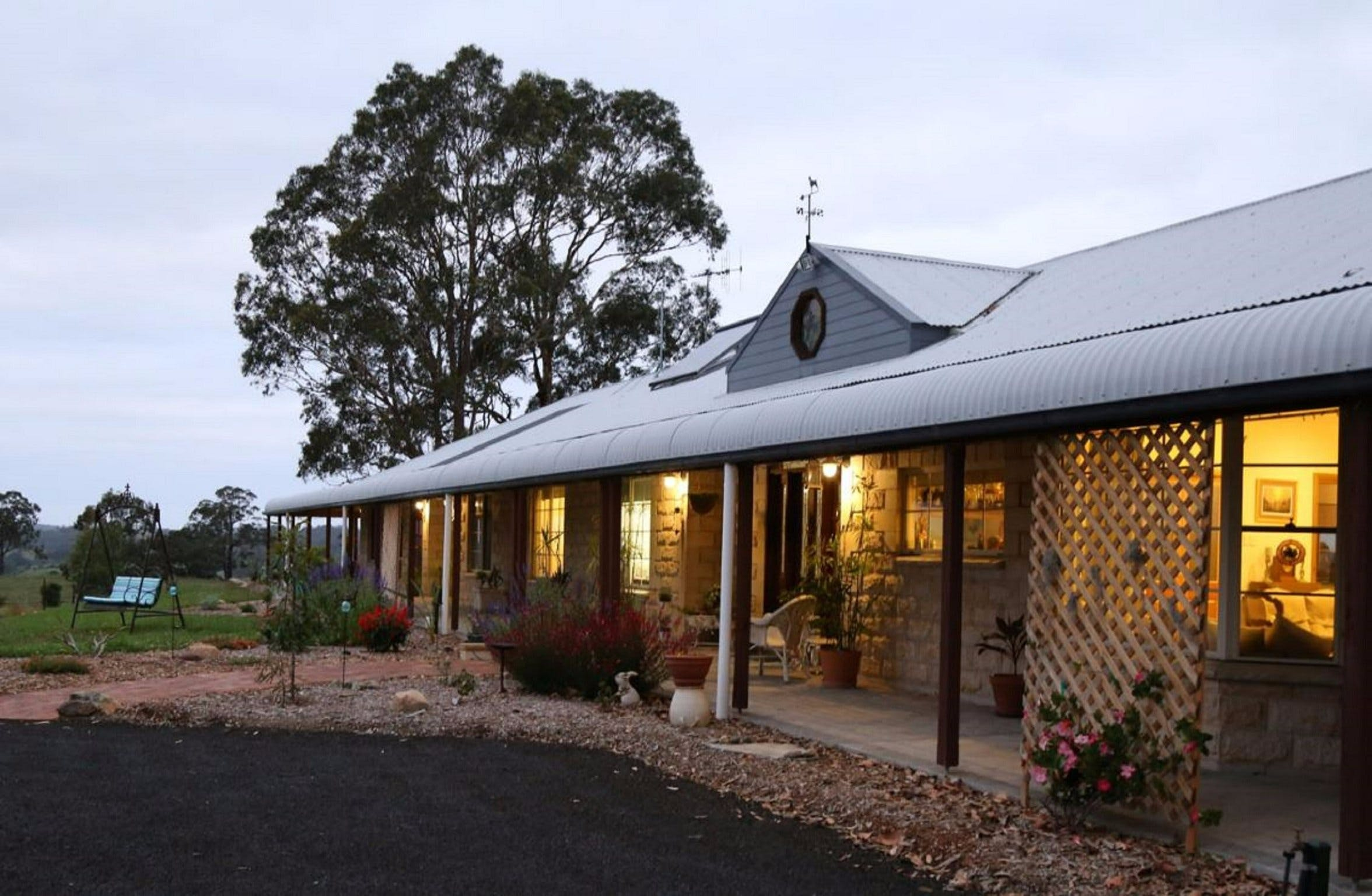 BellbirdHill Bed and Breakfast - Accommodation Sydney
