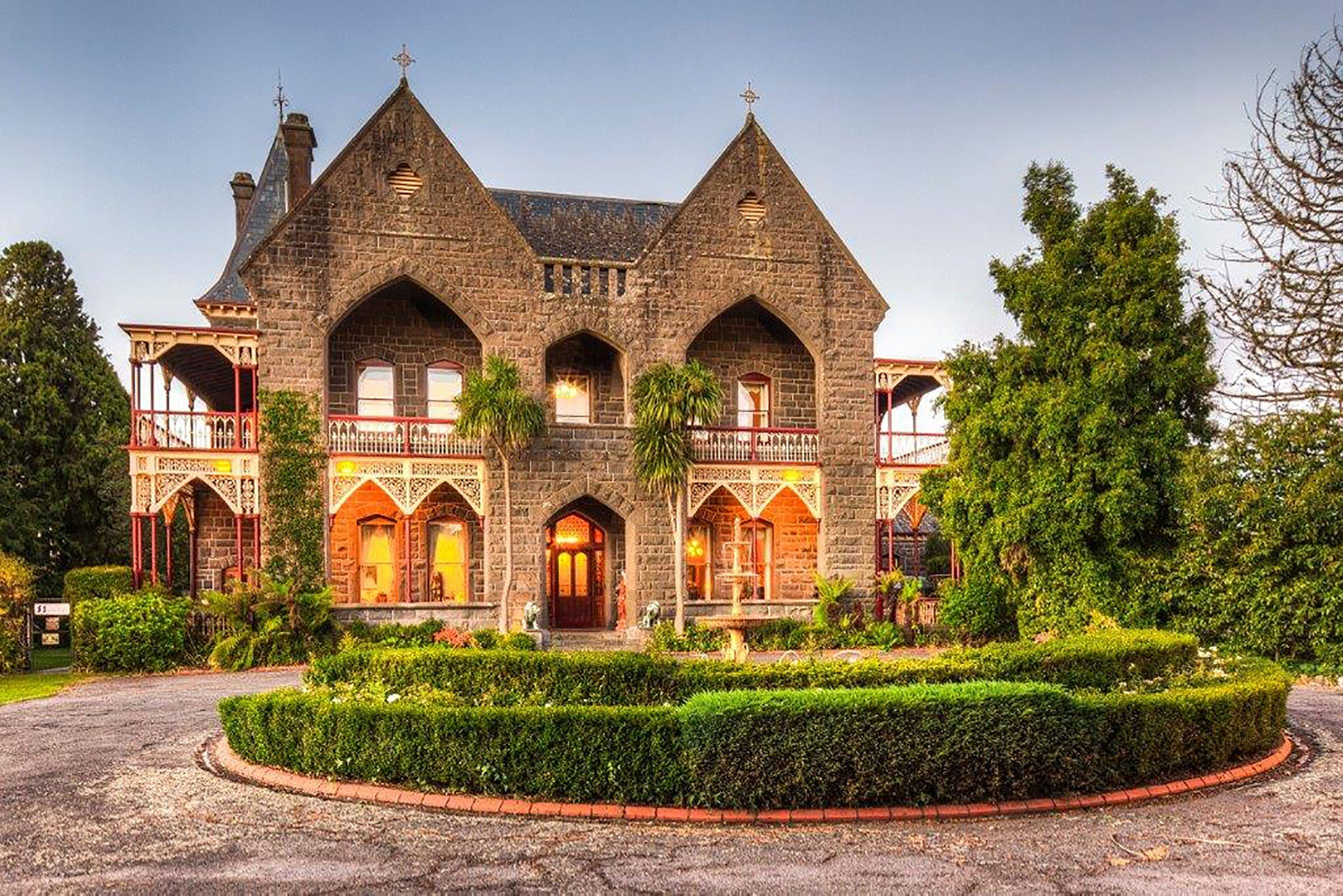 Bishops Palace - Accommodation Sydney
