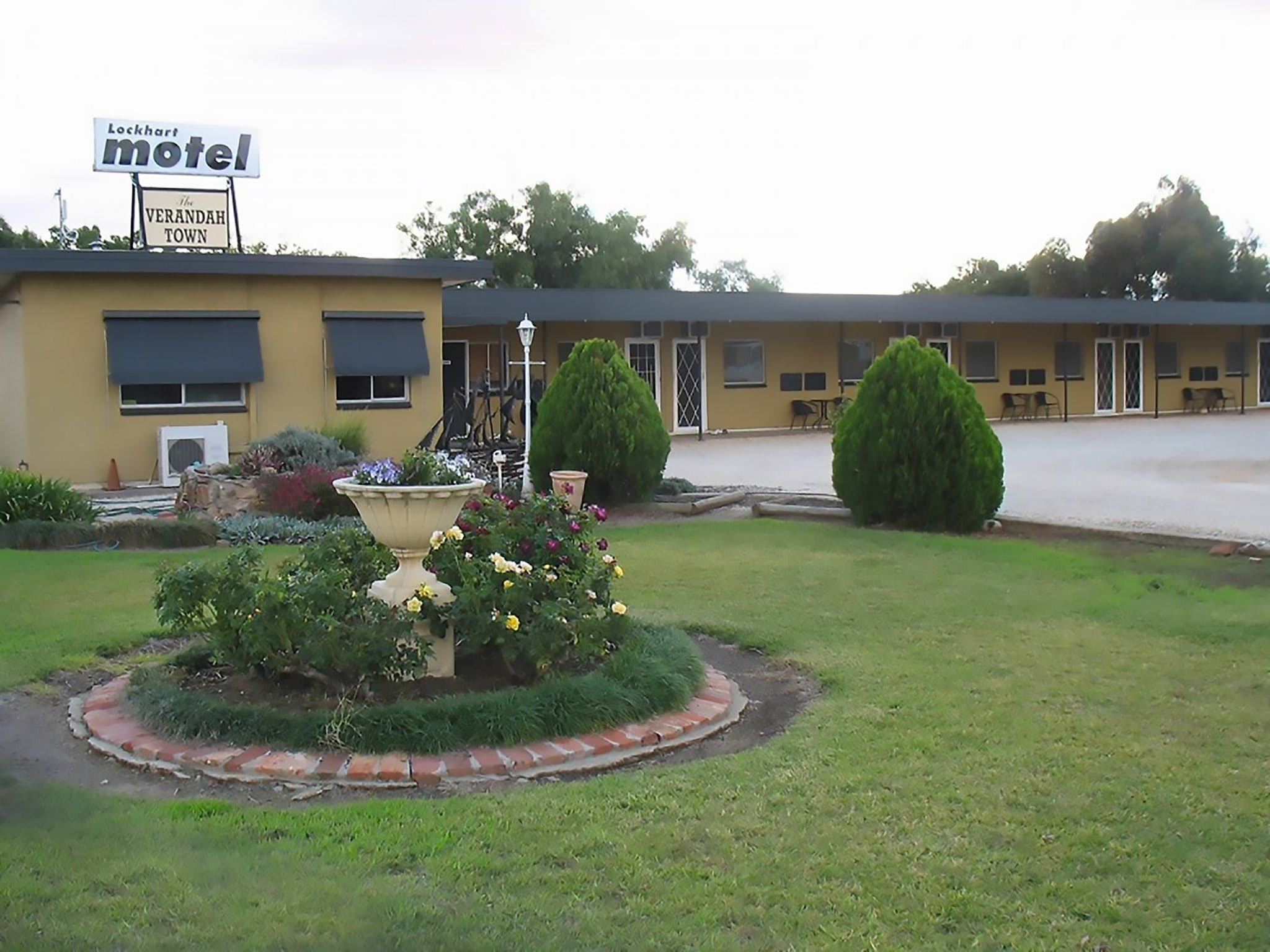 Lockhart Motel - Accommodation Sydney