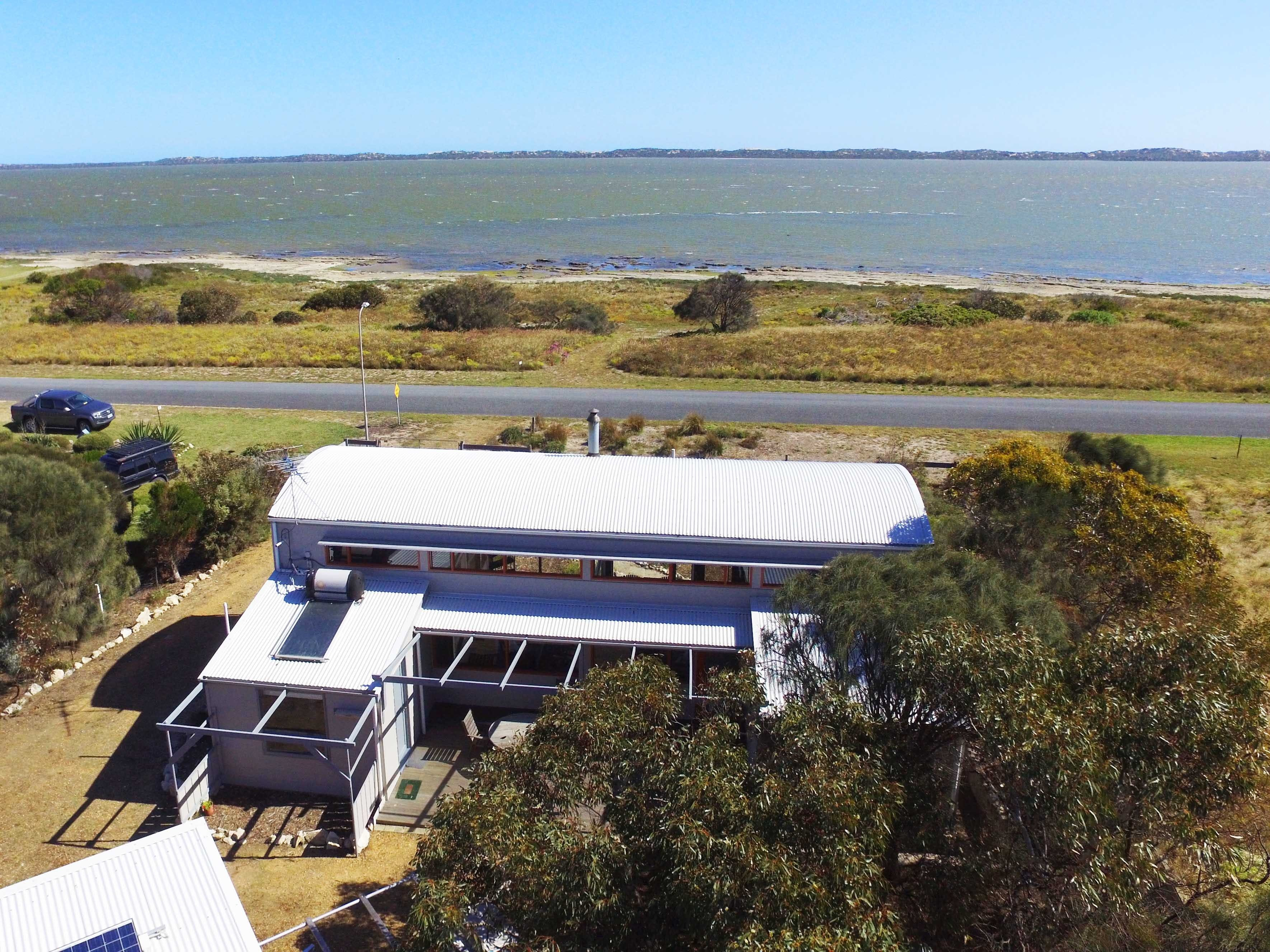 Coorong Aurora - Breathtaking Waterfront Escape - Accommodation Sydney