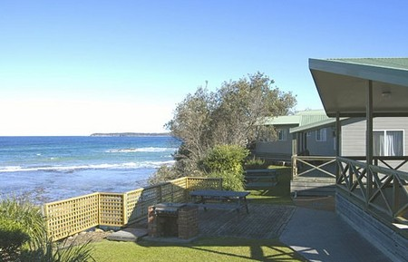 Berrara Beach Holiday Chalets - Accommodation Sydney