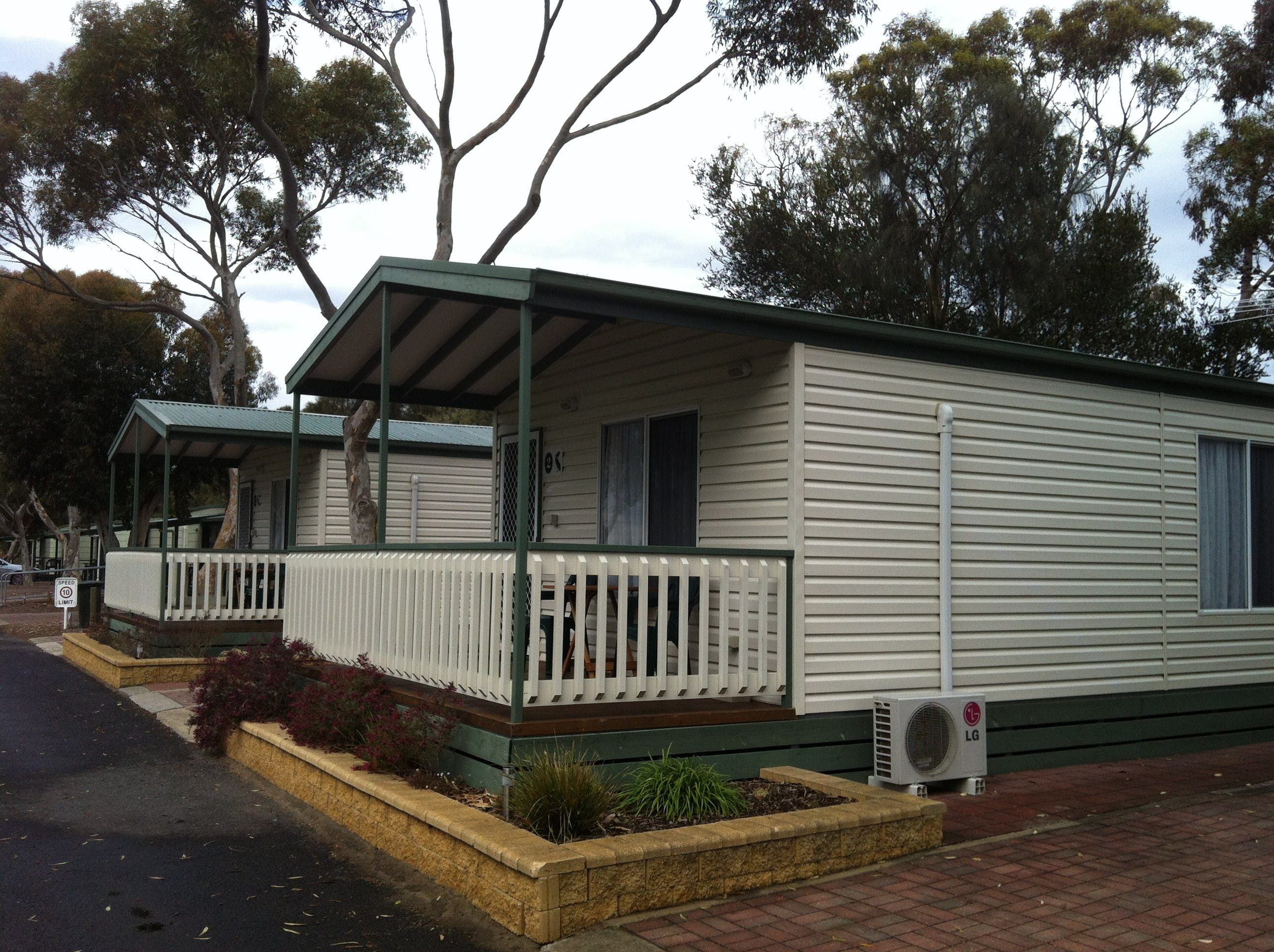 Lake Albert Caravan Park Meningie SA - Accommodation Sydney