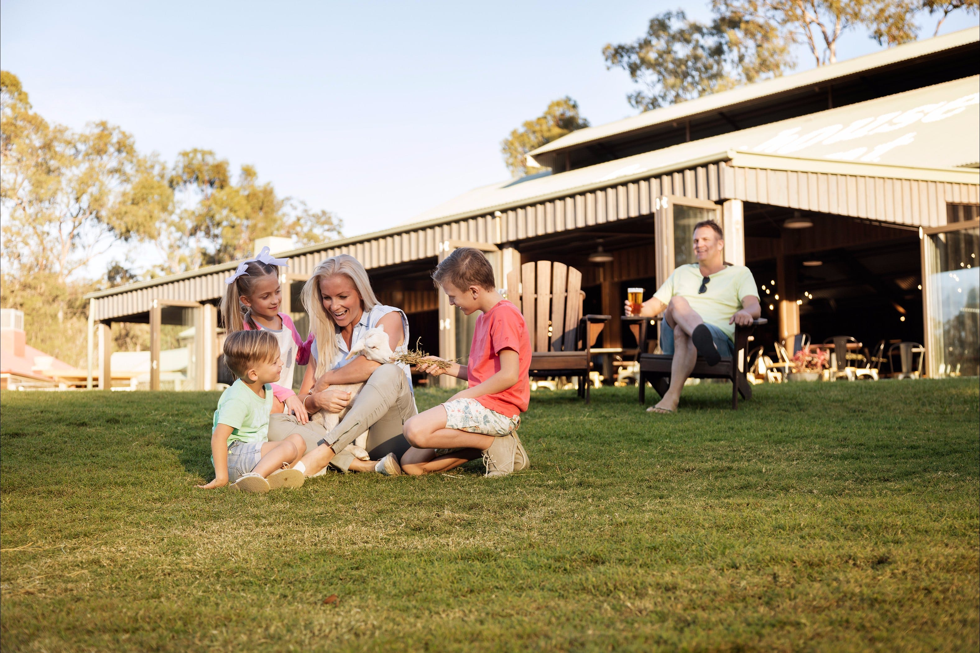 Paradise Country Farmstay - Accommodation Sydney