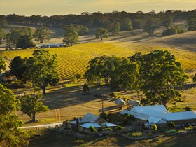 Hutton Vale and Farm Follies - Accommodation Sydney