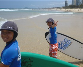Broadbeach Surf School - Accommodation Sydney