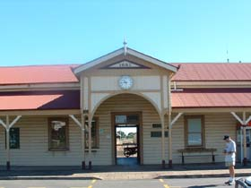 Maryborough Railway Station - Accommodation Sydney